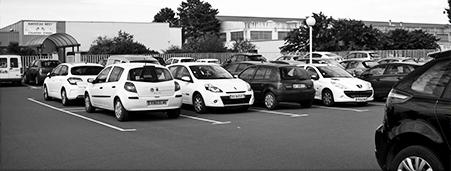 Location industrielle : parking de 10 000 m²